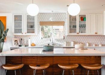 Moderní kuchyně v domě